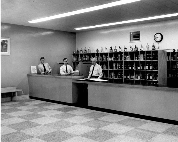 Liquor-Store-1957-UofM-Archives.jpg